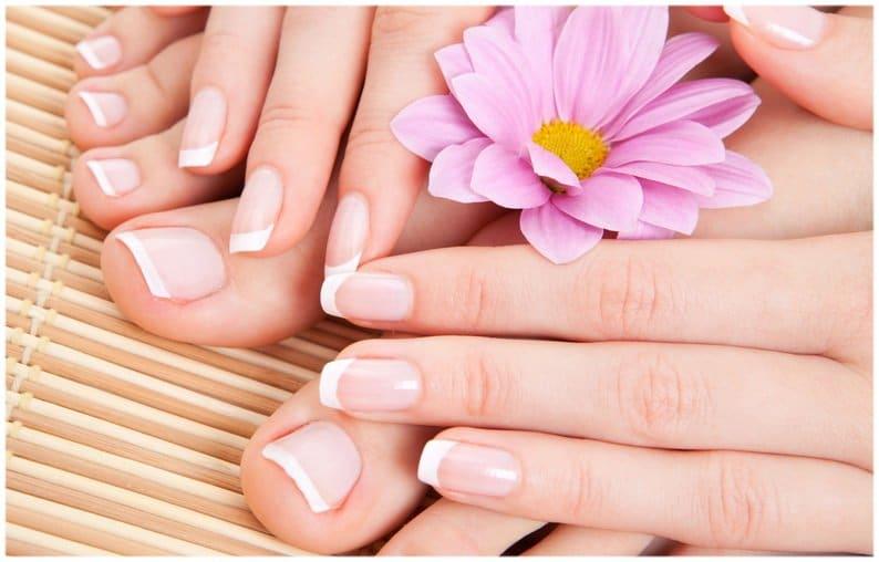 Recettes naturelles pour soins des ongles avec l'huile de ricin