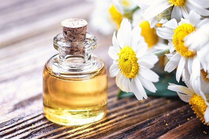 huile essentielle de camomille romaine